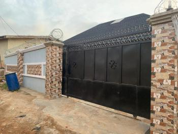 3 Bedroom Burgalow, : Jeje Area Alakia Side Along Adegbayi Old Ife Road, Ibadan, Oyo, Detached Bungalow for Sale