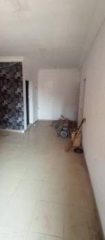 Lovely 2 Bedroom Flat, Gbagada, Lagos, Flat for Rent