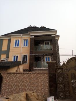 Executive 3 Bedroom Flat, Off Onitire Road, Itire-ikate, Surulere, Lagos, Flat for Rent