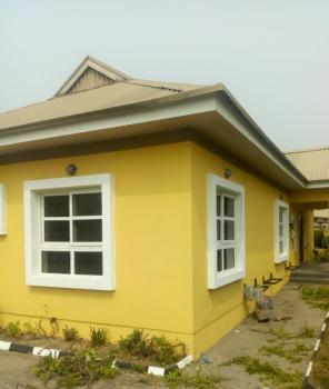 Clean and Spacious 4 Bedroom, Northern Foreshore Estate, Chevron, Lekki Phase 1, Lekki, Lagos, Semi-detached Bungalow for Rent