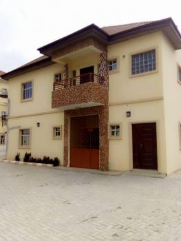 Well Maintained 2 Bedrooms Upper Flat, Lekki Phase 1, Lekki, Lagos, Flat for Rent