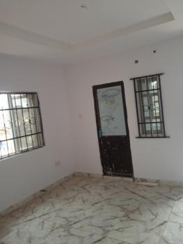 Lovely 2 Bedrooms, Ogunlana, Surulere, Lagos, Flat for Rent