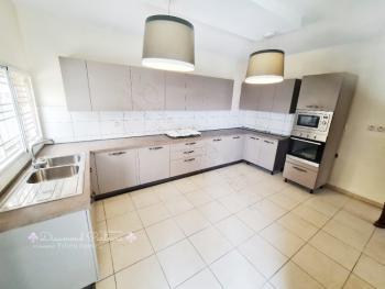3 Bedrooms Semi Detached  Duplex, Off Admiralty Way, Lekki Phase 1, Lekki, Lagos, Semi-detached Duplex for Rent