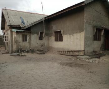 836.76sqm Fenced & Gated Land Plot + Old Bungalow (gazette), By Chresol College, Awoyaya, Ibeju Lekki, Lagos, Mixed-use Land for Sale