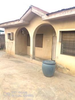 3 Bedrooms Twin Bungalow, Off New Ife Road, Ibadan, Oyo, Semi-detached Bungalow for Sale