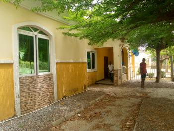 3 Bedroom Bungalow with Bq, Lugbe Airport Road, Lugbe District, Abuja, Semi-detached Bungalow for Sale