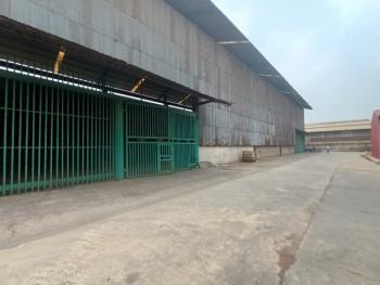 Warehouse Measuring 1760m2, Acme Road, Ikeja, Lagos, Warehouse for Rent