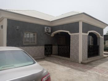 3 Bedrooms Bungalow with 2 Units Bq, Pyakasa, Lugbe District, Abuja, Detached Bungalow for Sale