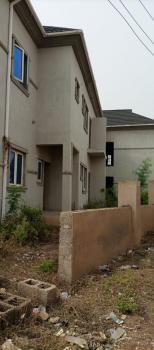 18 Rooms Hostel, Ijokodo Apete, Ibadan, Oyo, Block of Flats for Sale