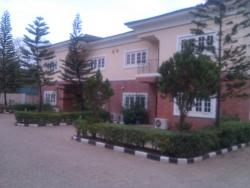 Well Finished Terrace House, Asokoro District, Abuja, 4 bedroom, 5 toilets, 5 baths Flat / Apartment for Rent