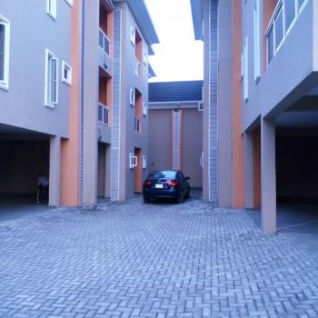 a Service, Well Renovated and Compact 3 Bedroom  Flat Up Floor, Lawal Oduloye Street, Oniru, Victoria Island (vi), Lagos, Block of Flats for Rent