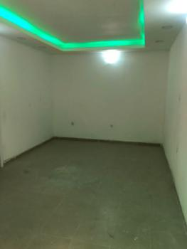 Well Maintained 2 Bedroom Apartment in a Gated Estate, Lekki Phase 1, Lekki, Lagos, Flat for Rent