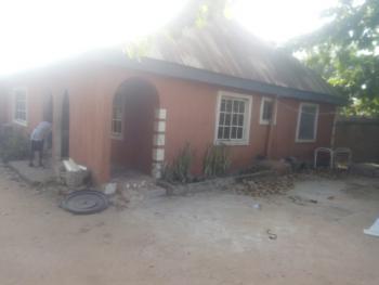 Fantastic 3 Bedroom Flat, Off Ankpa Quarters Road, Behind Nuj House, Makurdi, Benue, Detached Bungalow for Sale