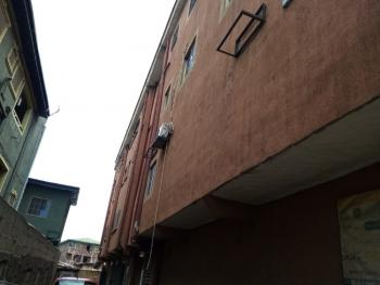 2 Bedrooms Flat, Upstairs, Lawanson Road, Surulere, Lagos, Flat for Rent
