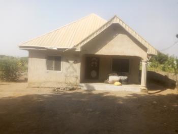Portable One Bedroom Apartment, Off Joe Nyam Road Tigi Layout Behind Owner Occupier Estate Phase1, Makurdi, Benue, Mini Flat for Sale