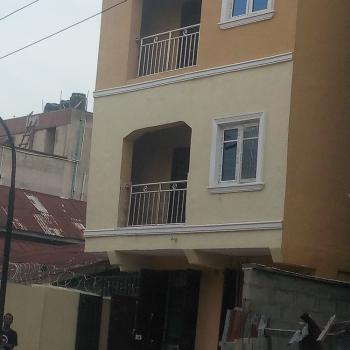 Newly Built 2 Bedroom Flat Upstairs, Borno Way, Adekunle, Yaba, Lagos, Flat for Rent