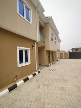 a Self-contained Studio Flat with Kitchen, Close to Blenco Behinde Lekki Gardens Ilason Bustop, Lekki Expressway, Lekki, Lagos, Self Contained (single Rooms) for Rent