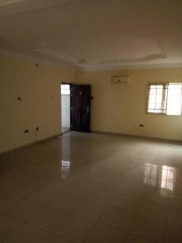 Standard 2 Bedroom Flat, Jibowu Fadeyi Axis, Yaba, Lagos, Flat for Rent