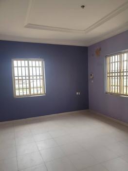 Luxury 2 Bedroom Upstairs, Lekki Phase 1, Lekki, Lagos, Flat for Rent