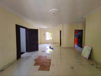 Well Maintained 3 Bedroom Apartment Upstairs No Bq. 24 Hours Power, Lekki Phase 1, Lekki, Lagos, Flat for Rent