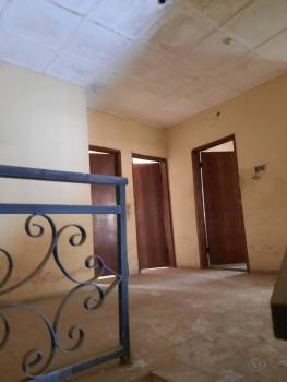 2 Wings of 4 Bedrooms Duplex, Unilag Drive Way, Magodo, Lagos, Detached Duplex for Sale