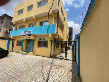 Unique Ground Floor 160 Sqr Mtrs Space, Herbert Macaulay Way, Yaba, Lagos, Office Space for Rent