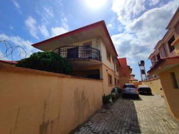Well Maintained 3 Bedrooms Apartment. 2 Occupants in Compound, Lekki Phase 1, Lekki, Lagos, Flat for Rent