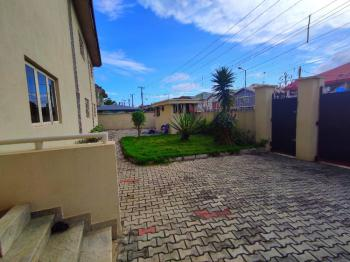 Well Maintained and Serviced 3 Bedroom Apartment, Upstairs with Bq., Lekki Phase 1, Lekki, Lagos, Flat for Rent