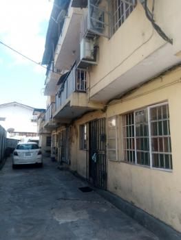 Nice and Spacious 3 Bedrooms Flat, Off Bode Thomas Junction, Surulere, Lagos, Flat for Rent