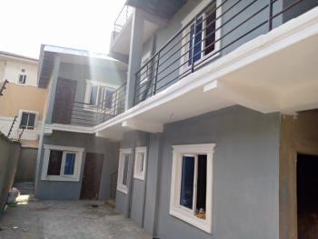 Room Selfcontained, Alagomeji, Adekunle, Yaba, Lagos, Flat for Rent