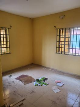a Decent 3 Bedroom Flat, Upstairs, Off Adetola Aguda, Surulere, Lagos, Flat for Rent