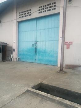 Nice Industrial Warehouse of 17500sqft, Along Oshodi Apapa Expressway, Oshodi, Lagos, Warehouse for Rent