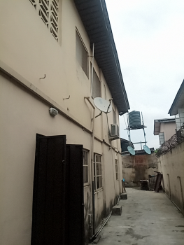 Nice and Well Maintained 3 Bedroom Flat, Off Bode Thomas, Bode Thomas, Surulere, Lagos, Flat for Rent
