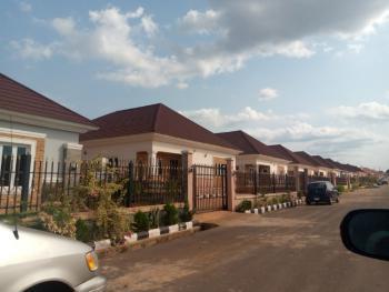 a Vacant 3 Bedroom Bungalow & 2 Rooms Bq on a Separate Compound, Enugu, Enugu, Detached Bungalow for Rent