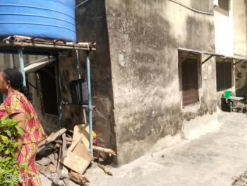 2 Bedrooms Flat with 2 Toilets & Baths, Iponri  Estate, Iponri Alaka, Surulere, Lagos, Flat for Sale
