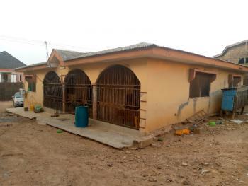 Strategic 4 Bedrooms Bungalow in a Secluded Estate Near The Road, Lane 2, Prosperity Street, Peluseriki Estate, Off Akala Express, Oluyole, Oyo, Detached Bungalow for Sale