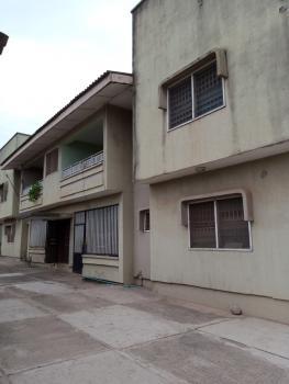Decent 3 Bedroom Flat, Felele Street., Challenge, Ibadan, Oyo, Flat for Rent