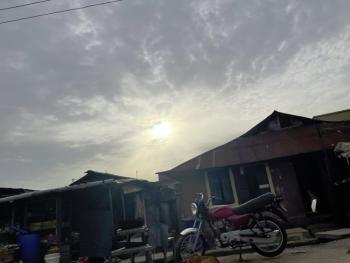 Demolishable Bungalow, Off Olorunkemi, Shomolu, Lagos, Detached Bungalow for Sale