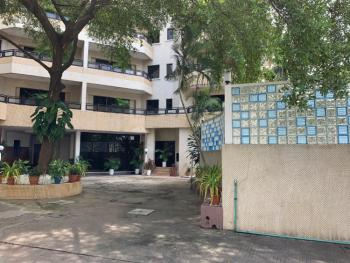 4 Bedroom Apartment in a Serene Environment, Victoria Island (vi), Lagos, Flat for Rent