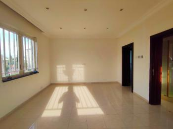 Well Maintained Selfcon Apartment. Private Bath. Shared Kitchen, Igboefon, Lekki Phase 1, Lekki, Lagos, Self Contained (single Rooms) for Rent