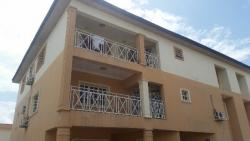 Spacious 3 Bedroom Flat With A Room., Lekki Phase 1, Lekki, Lagos, 3 bedroom, 4 toilets, 3 baths Flat / Apartment for Rent