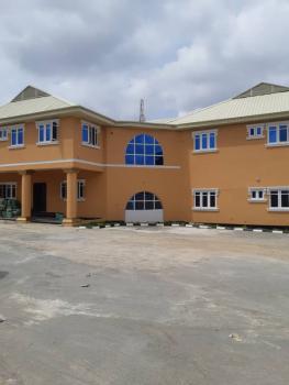 Newly Renovated Block of  3 Bedrooms Flats, State Secretariat Road, Agodi Gra., Ibadan, Oyo, Flat for Rent