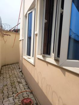 Lovely 2 Bedroom Flat, Obanikoro Eatate, Palmgrove, Ilupeju, Lagos, Flat for Rent