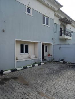 2 Bedrooms Semi Detached Duplex with Bq, Lekki Phase 1, Lekki, Lagos, Detached Duplex for Rent