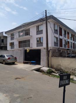 3 Bedrooms Flat in an Estate, Anthony, Maryland, Lagos, Flat for Rent