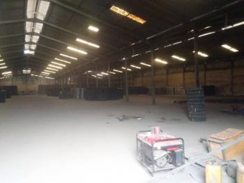 44,075 Square Feet Warehouse with Office Space, Moshood Abiola Way, Iganmu, Iganmu, Lagos, Warehouse for Rent